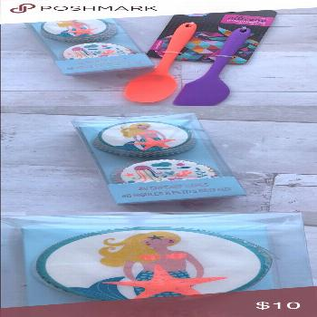 NWT Mermaid cupcake liners and 2 spatulas New with tags, never used pack of 48 mermaid theme cupcak